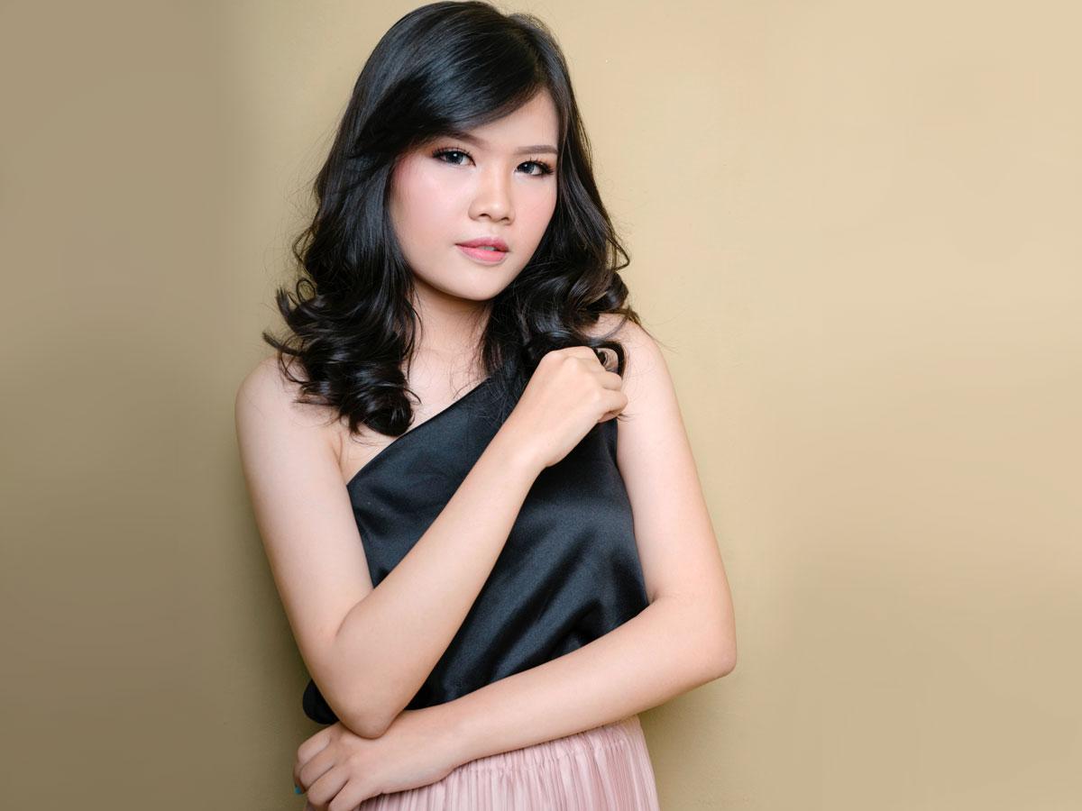 fashionable malaysian woman